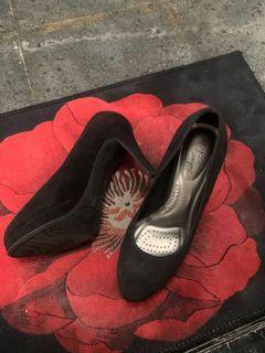 Dex comfort heels