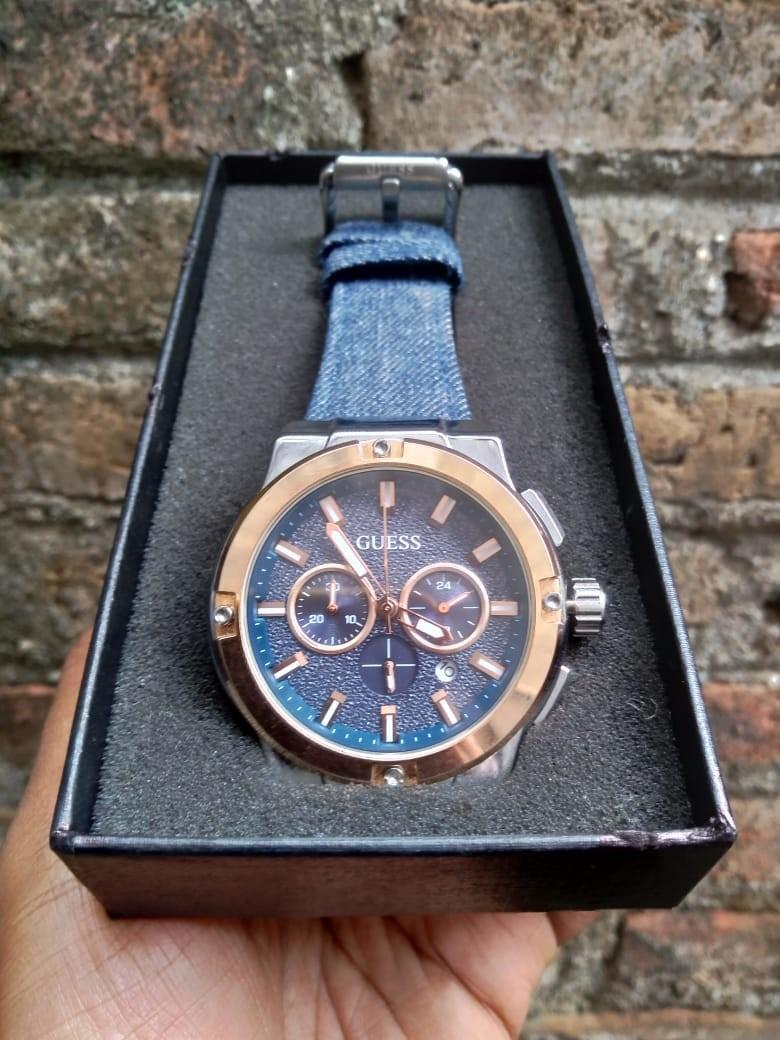 Jam tangan pria guess chronos denim