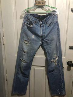Levis 501 jeans sz 33 16 1/2x43 ripped jeans