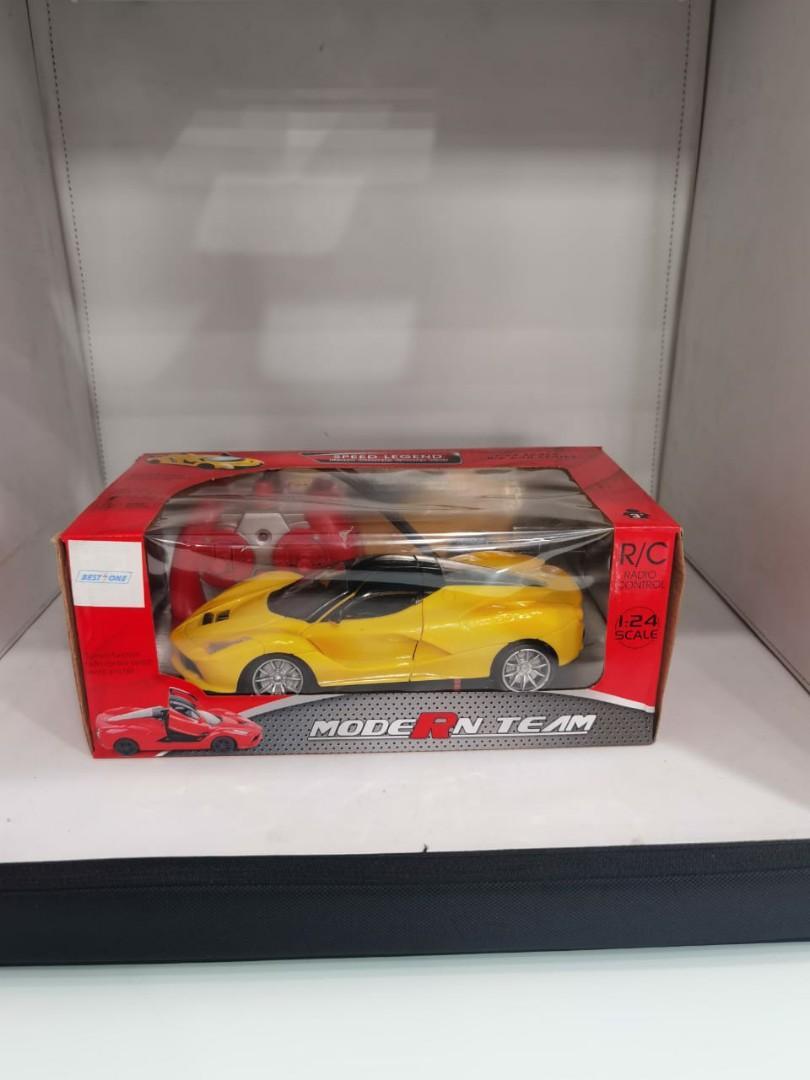 Mainan anak laki-laki mobil remote control kecil