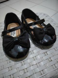 Sepatu balita teeny toes