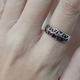 不議價_【內斂】 內圍直徑1.8cm 國際圍13號 紅色部份是樹脂 白銀色戒指 不知材質《二手天堂A20》