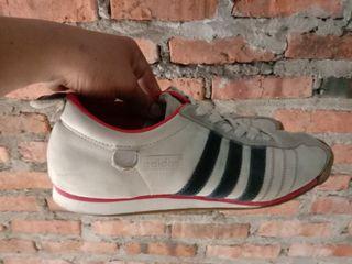 Adidas chile klasik original size 44 bahan leather gud kondisyeun
