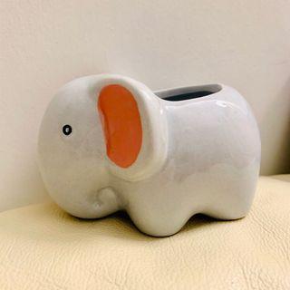 Cute elephant planter ceramic pot