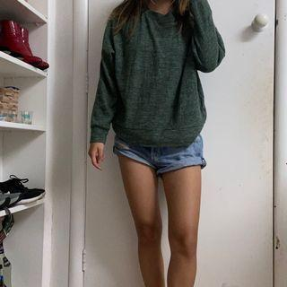 Green lightweight jumper