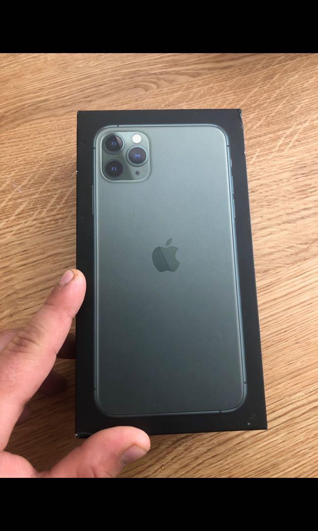 iPhone 11 Pro Max great condition