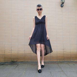 不議價_黑色雪紡洋裝 前短後長 前後大V領 M碼《二手天堂A22》