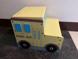 Little school bus step stool/chair 小校車踏腳凳/椅子