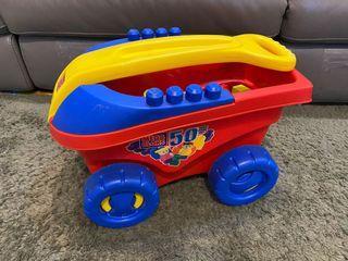 Mega blocks and wagon 積木玩具  拖拖積木車
