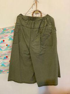 日系綠色寬版長褲