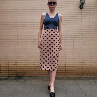 不議價_M~L碼 奶茶色 波點 過膝窄裙 後鬆緊長窄裙 修身長裙《二手天堂A22》