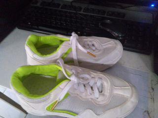 Sepatu kets putih batam