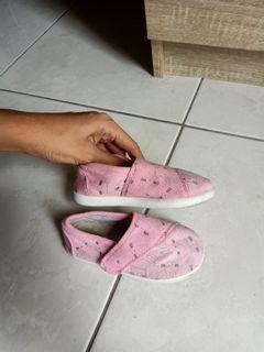 Sepatu pink mothercare