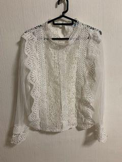 White lace long sleeves top
