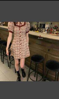 法式方領連衣裙