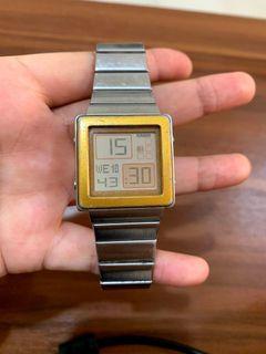 Jam tangan CASIO FUTURIST