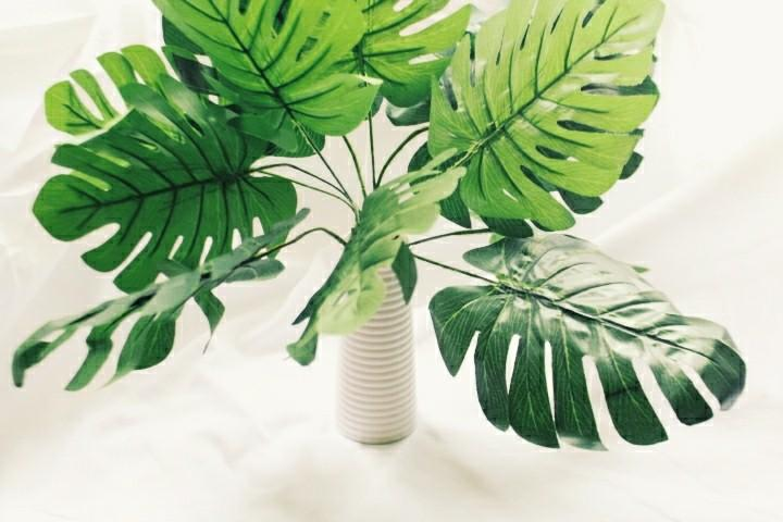 Monstera leaf artificial plant