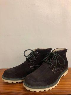 ROCKPORT 麂皮靴子
