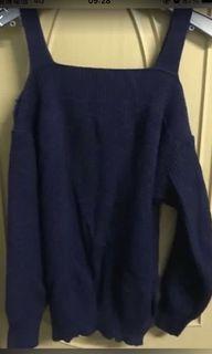 藍色露肩針織毛衣上衣#母檔