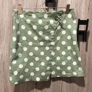 綠點點短裙
