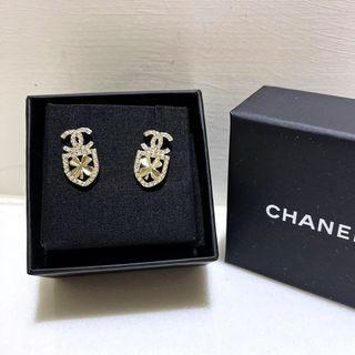 【全新】專櫃正品 chanel 香奈兒 logo 鑽 耳環 稀有款