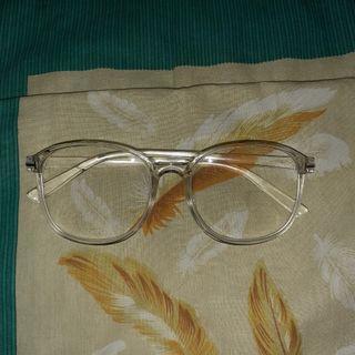 Kacamata minus Bening
