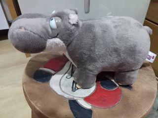 Weird Hippo by Nici