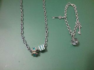 銀色手鏈和 頸鏈 50元