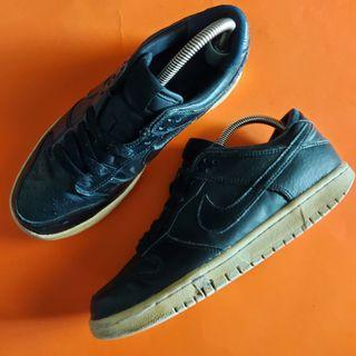 Nike (uk7)