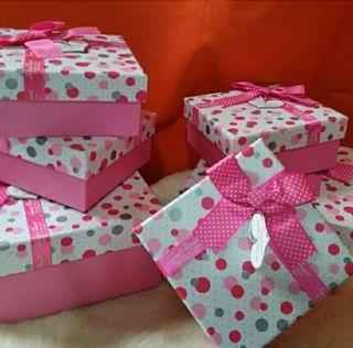 出清庫存禮品正方形空盒~粉紅點點大小款任選3個100元