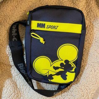 7-11 X 日本潮流Right-on 迪士尼運動單肩包 黑黃款