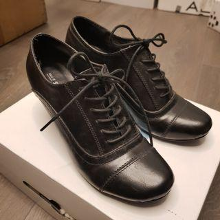 Heeled Black Oxford Shoes