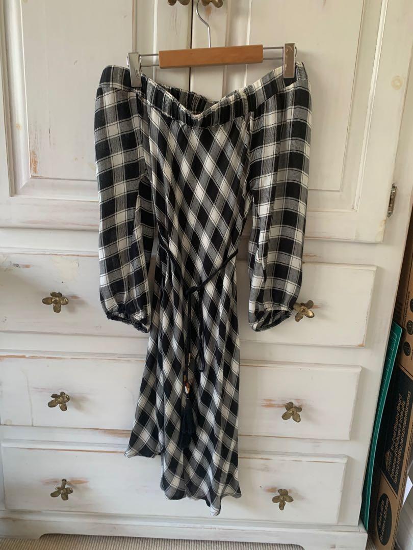 Off the shoulder plaid dress size xs/s
