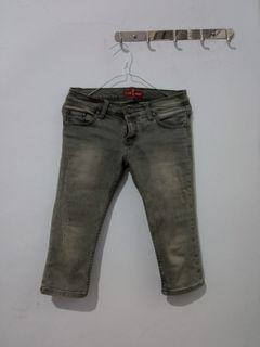 3/4 Jeans (ripped)