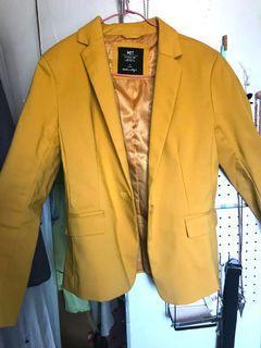 黃色西裝外套
