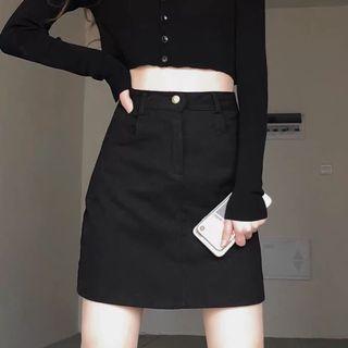 黑色百搭高腰A字裙