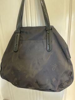 Agnes b 黑色餃子袋