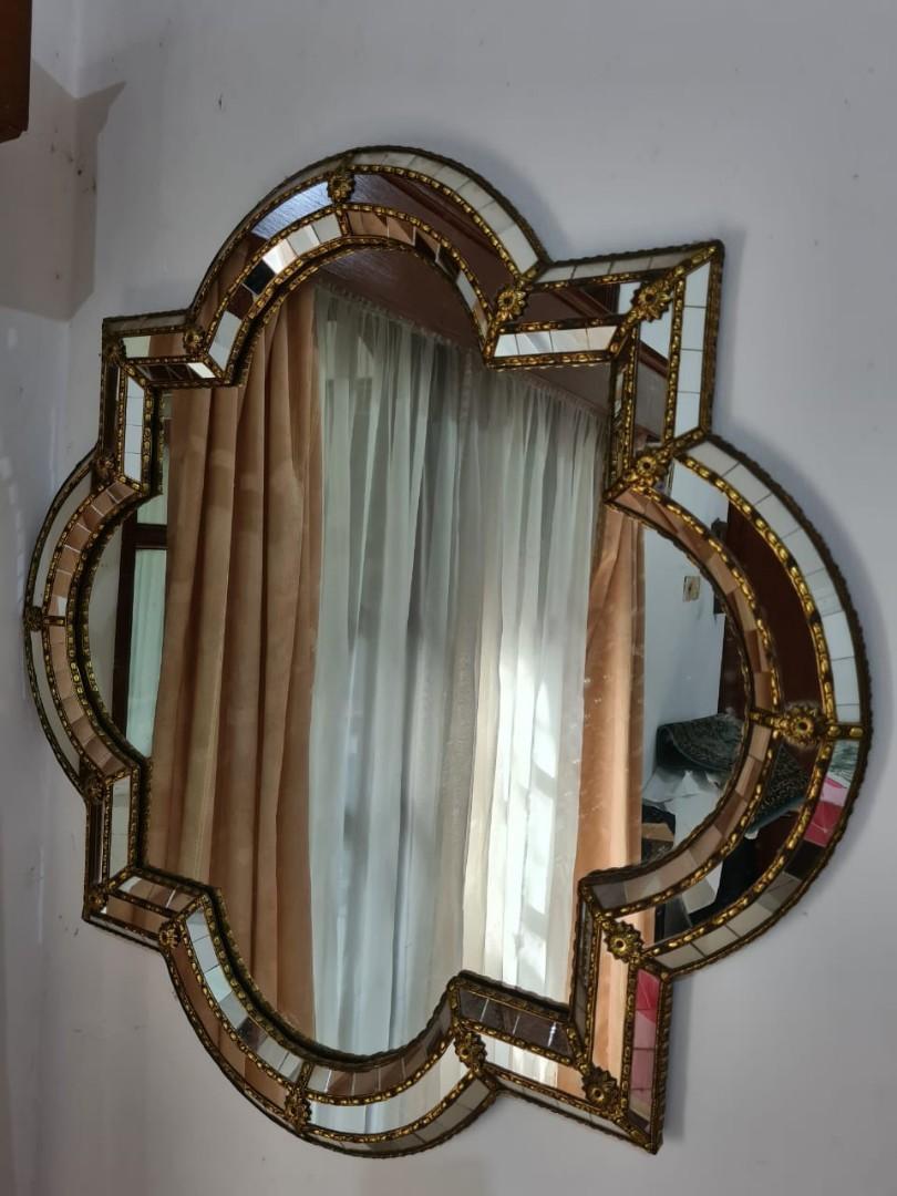 Cermin antik buatan Spanyol