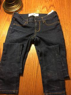 Hollister Girls jeans size24, worn once