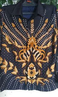 Kemeja batik adikusuma