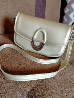 sling bag satu ruang