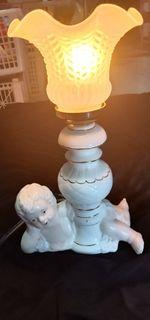 Lampu Meja Porselen Jadul