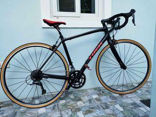 TREK Domane AL 2 - Road Bike