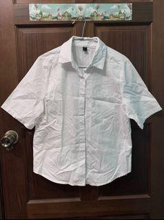 白色短袖襯衫