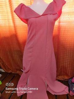 Pink offshie with front slit for ootd