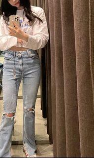 韓系 專櫃 Sisley 質感 版型超好 喇叭褲 時尚單品 小姊姊 牛仔褲 淺色 顯腿長 修飾身材