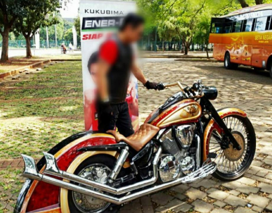 Honda VTX 1300 Custom Softail Red Chopper Full Paper Murah