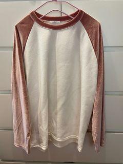 粉色+白色拼接袖上衣