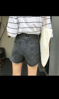 牛仔短褲灰色