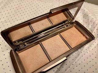 Hourglass highlighters palette